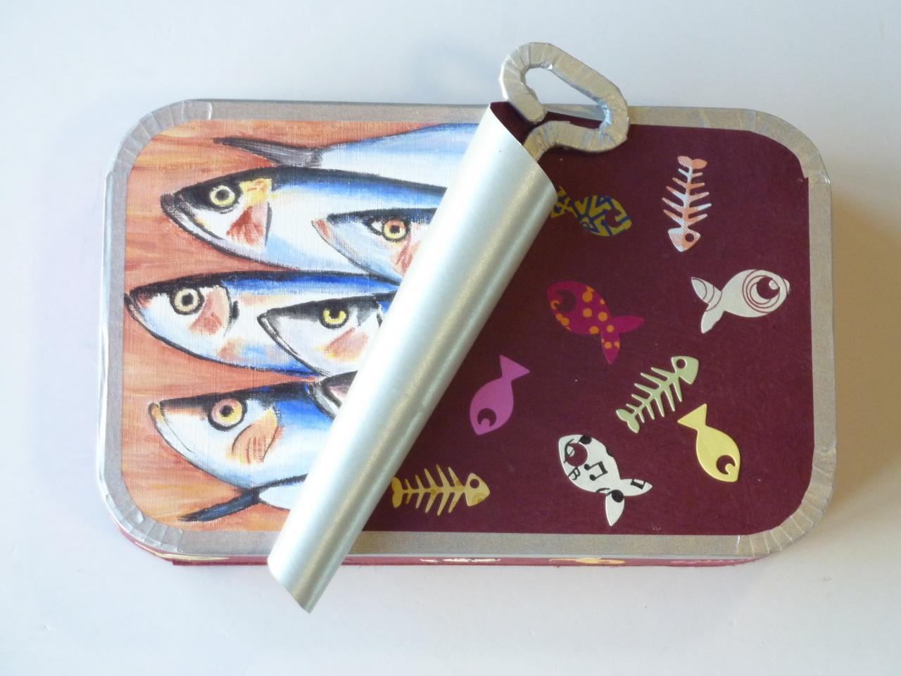 Boite de sardines en cartonnage